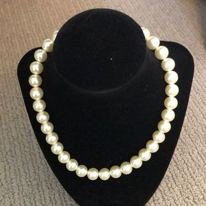 Jewelry - Pearl choker